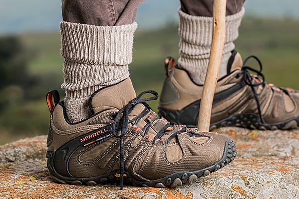 hiker shoes show walking faster than normal can burn more calories