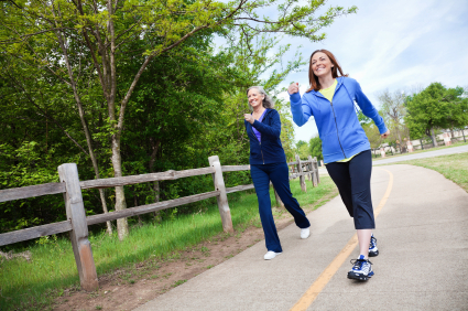 ladies walk faster to burn more calories in the same workout